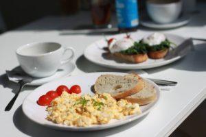 Ile kalorii ma jajecznica ?